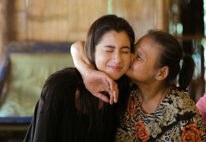 ปู ไปรยา เยี่ยมค่ายผู้ลี้ภัยบ้านต้นยาง #prayalundberg