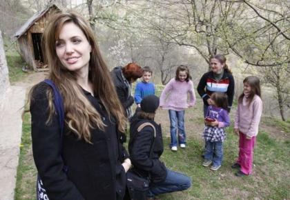 แองเจลิน่า โจลี่ บอสเนีย ผู้กลับคืนถิ่นฐาน วิเชกราด