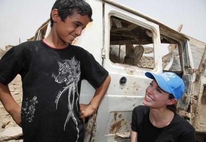 ทูตสันถวไมตรี แองเจลิน่า โจลี่ อิรัก ชิคุก ผู้ลี้ภัย ผู้พลัดถิ่น
