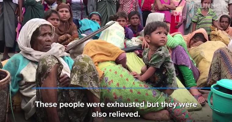 พวกเขาหมดแรง อ่อนล้า แต่ในขณะเดียวกันพวกเขาดูโล่งใจที่มาถึงฝั่ง © UNHCR