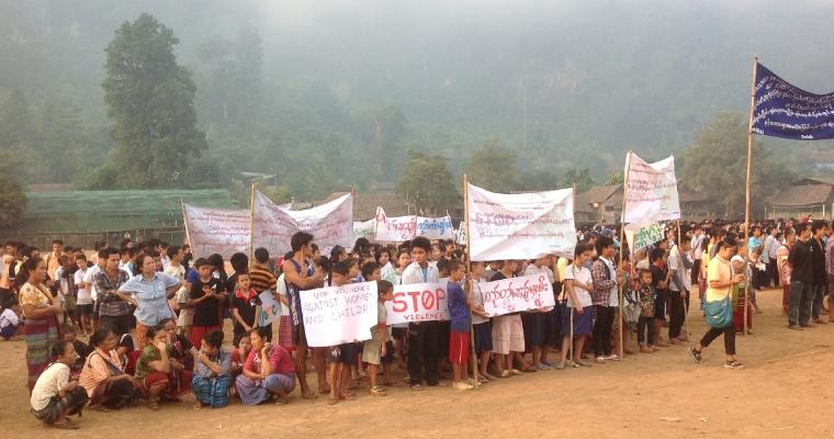 ผู้ลี้ภัยในค่ายแม่หละจัดกิจกรรมในวันที่ 23 พ.ย. รณรงค์ยุติความรุนแรงทางเพศต่อผู้หญิงและเด็ก เปิดโอกาสให้แสดงความคิดเห็นและให้ความรู้เกี่ยวกับเรื่องดังกล่าวในค่าย
