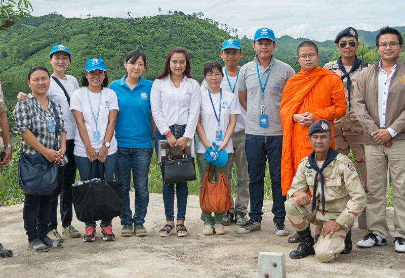 Tham-Hin refugee camp visit by Than V. Vajiramedhi and Praya Lundberg