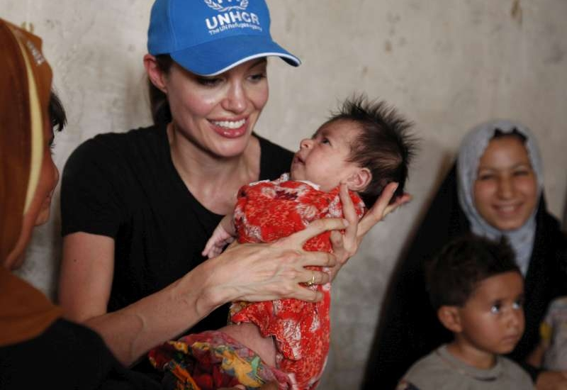 Angelina Jolie returns to Iraq, urges support for the displaced