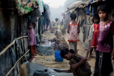 In light of the dramatic worsening since Friday of the situation in Myanmar's Rakhine state, UNHCR, the UN Refugee Agency, has today communicated to the Government of Bangladesh its readiness to support Bangladesh in helping refugees  © UNHCR/Saiful Huq
