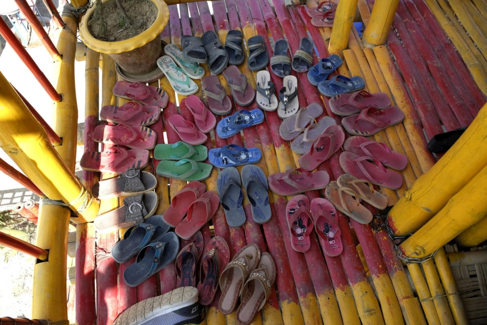 An array of sandals left outside the classroom door by students at an informal learning centre in Kutupalong refugee camp.  © UNHCR/Santiago Escobar-Jaramillo
